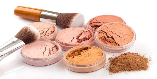 Makijaż mineralny – co powinnaś o nim wiedzieć? - Zdjęcie główne