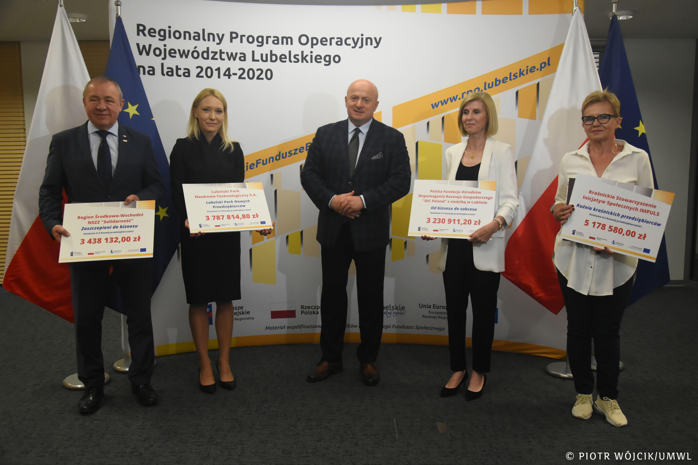 Województwo lubelskie: umowy o unijne dotacje dla przedsiębiorców, wręczone - Zdjęcie główne