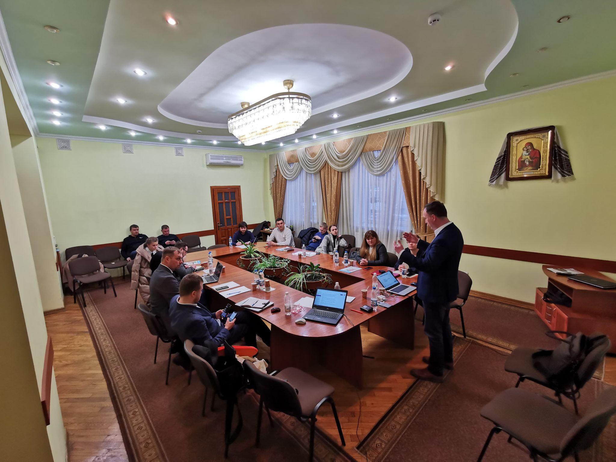 Fundacja Wolności z wizytą na Ukrainie. Aktywiści prowadzą warsztaty dla nowych radnych - Zdjęcie główne