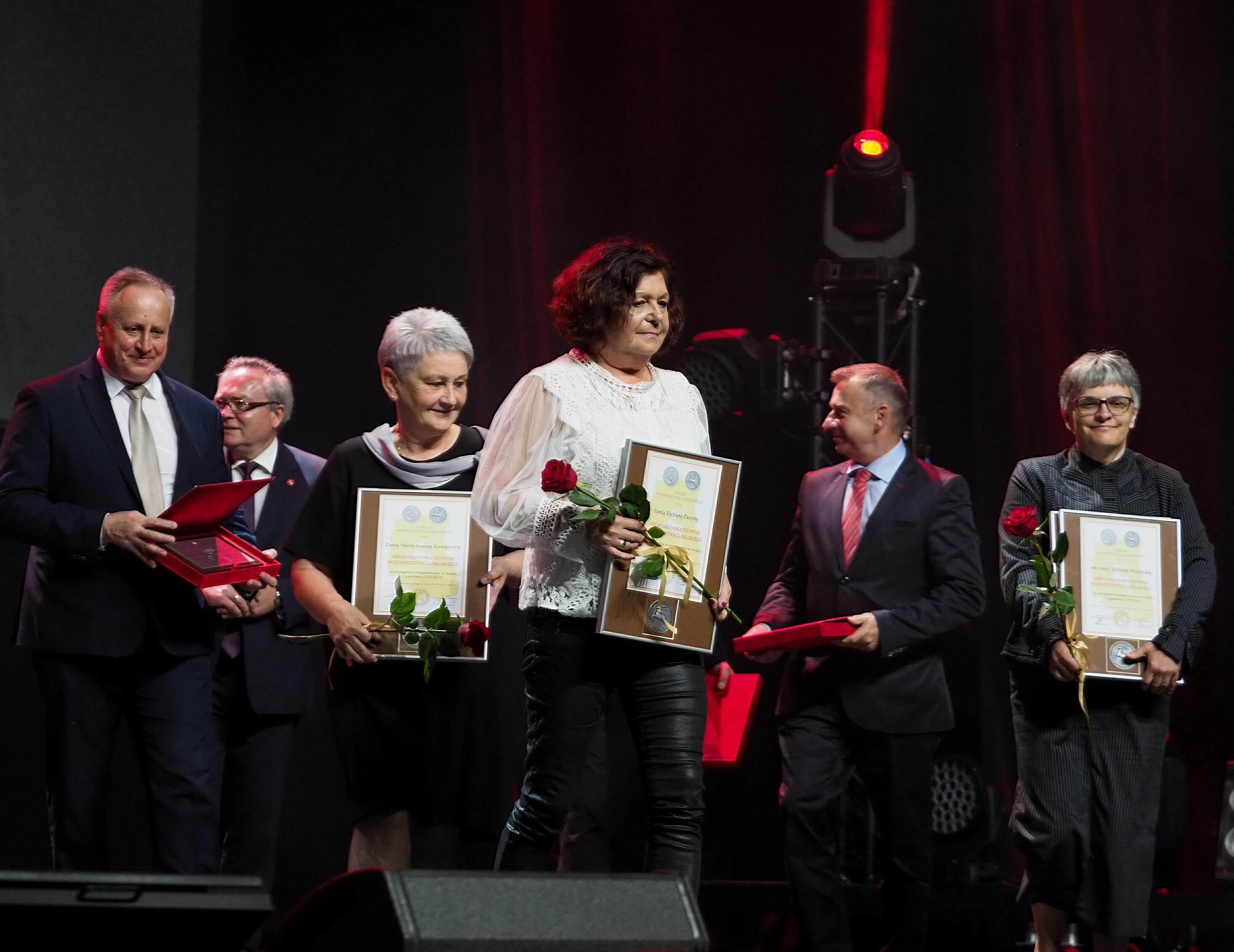 """Lublin: Nagrodzono lekarzy i jednostki ochrony zdrowia. W ramach gali """"Lubelskie dla Medyków"""" - Zdjęcie główne"""
