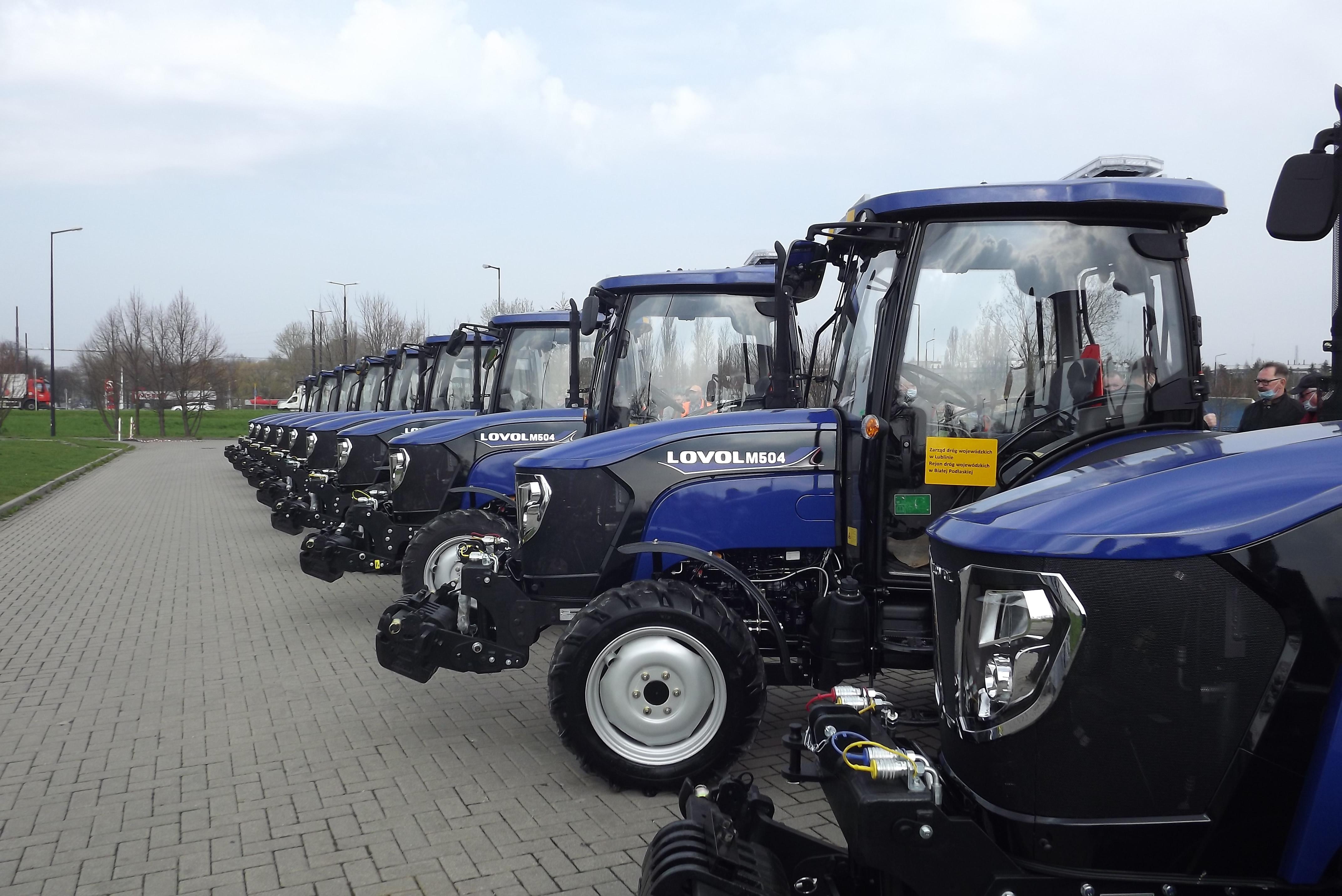 Zarząd Dróg Wojewódzkich w Lublinie kupił 10 ciągników. Do utrzymania dróg w regionie - Zdjęcie główne