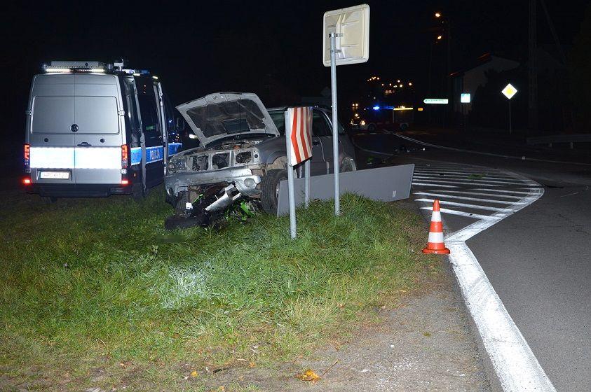 Powiat bialski: Stracił panowanie nad motocyklem. Zderzył się z samochodem - Zdjęcie główne