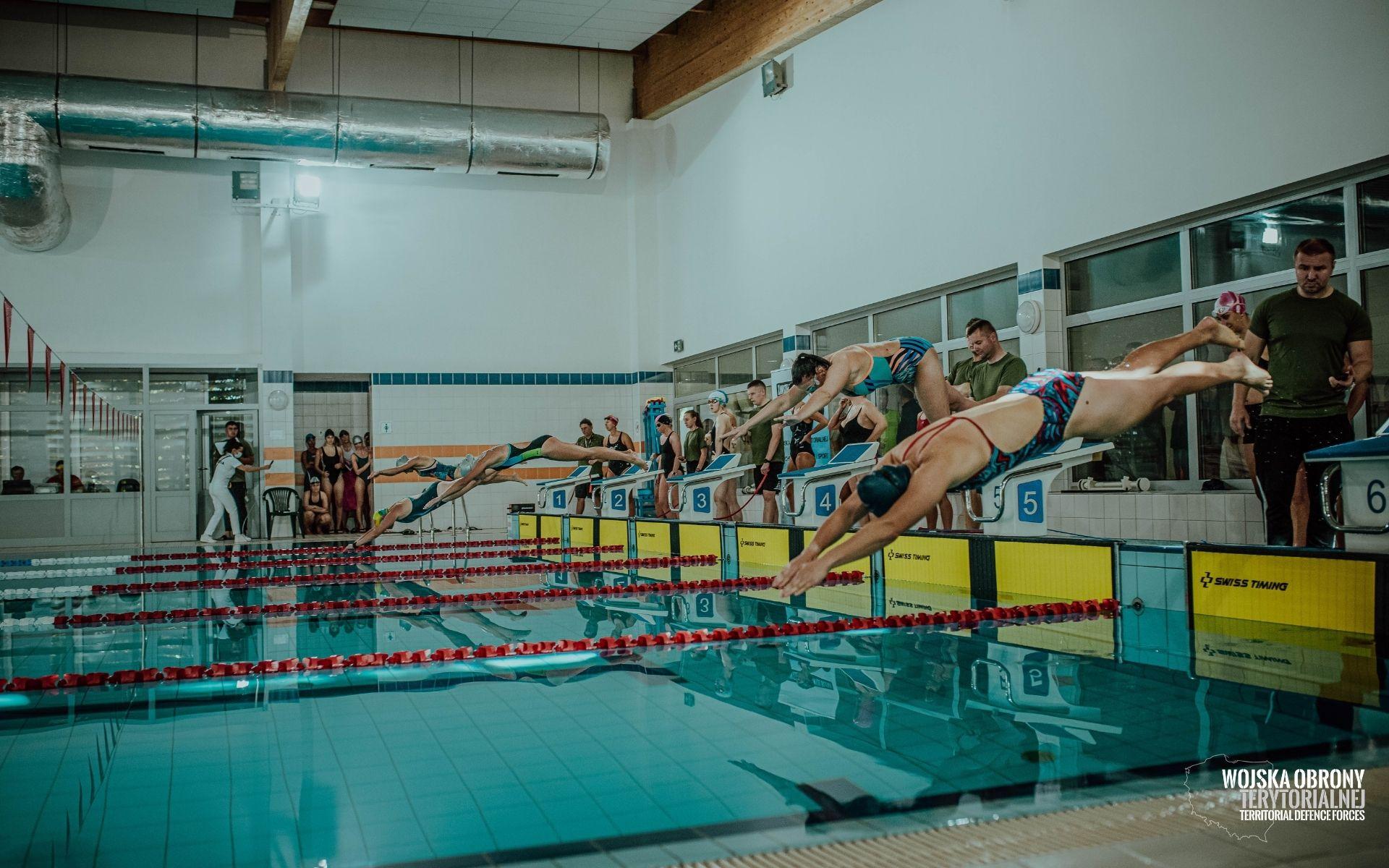 Lubelscy Terytorialsi wygrali zawody pływackie Wojsk Obrony Terytorialnej  - Zdjęcie główne