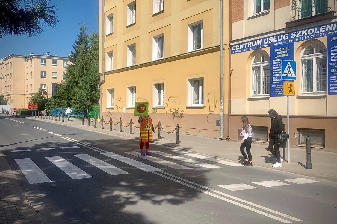 40 Strażników Ruchu Drogowego zadba o bezpieczeństwo lubelskich uczniów - Zdjęcie główne