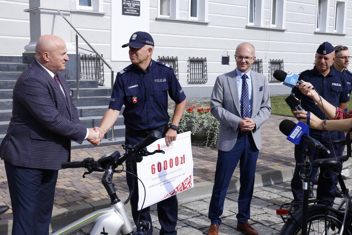 Lublin: Będą rowery elektryczne i dofinansowanie za zakup radiowozów - Zdjęcie główne