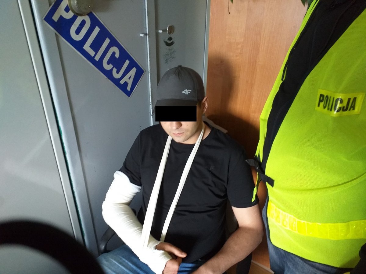 Powiat lubelski: Zaprosili go na piwo na trzepaku. Tam go pobili i okradli - Zdjęcie główne