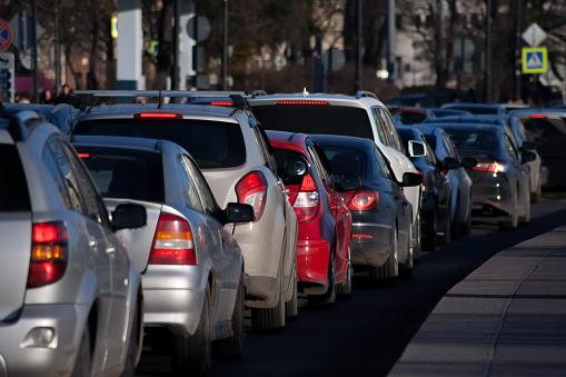 Lublin korki: utrudnienia drogowe w mieście. Korkuje się na ul. Zana - Zdjęcie główne