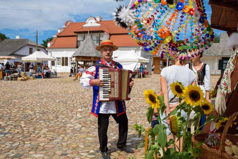 Lublin: Skansen zaprasza na odpust. Z okazji święta Matki Boskiej Zielnej - Zdjęcie główne