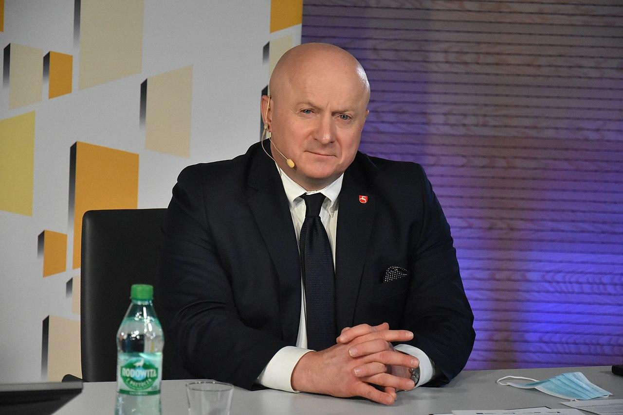 Marszałek województwa trafił do szpitala. Jarosław Stawiarski zmaga się z koronawirusem - Zdjęcie główne