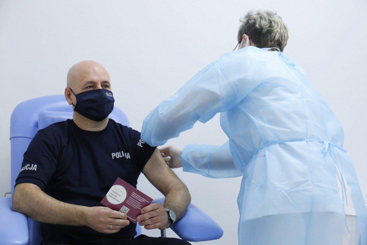 Zaczęły się szczepienia policjantów na Lubelszczyźnie - Zdjęcie główne