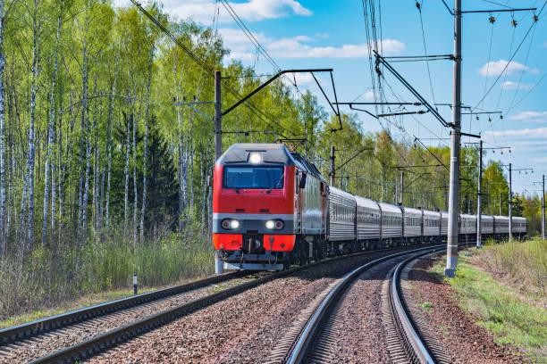 Lublin: Kolej buduje nową łącznicę. Będzie więcej miejsca na głównej stacji dla pasażerskich pociągów - Zdjęcie główne