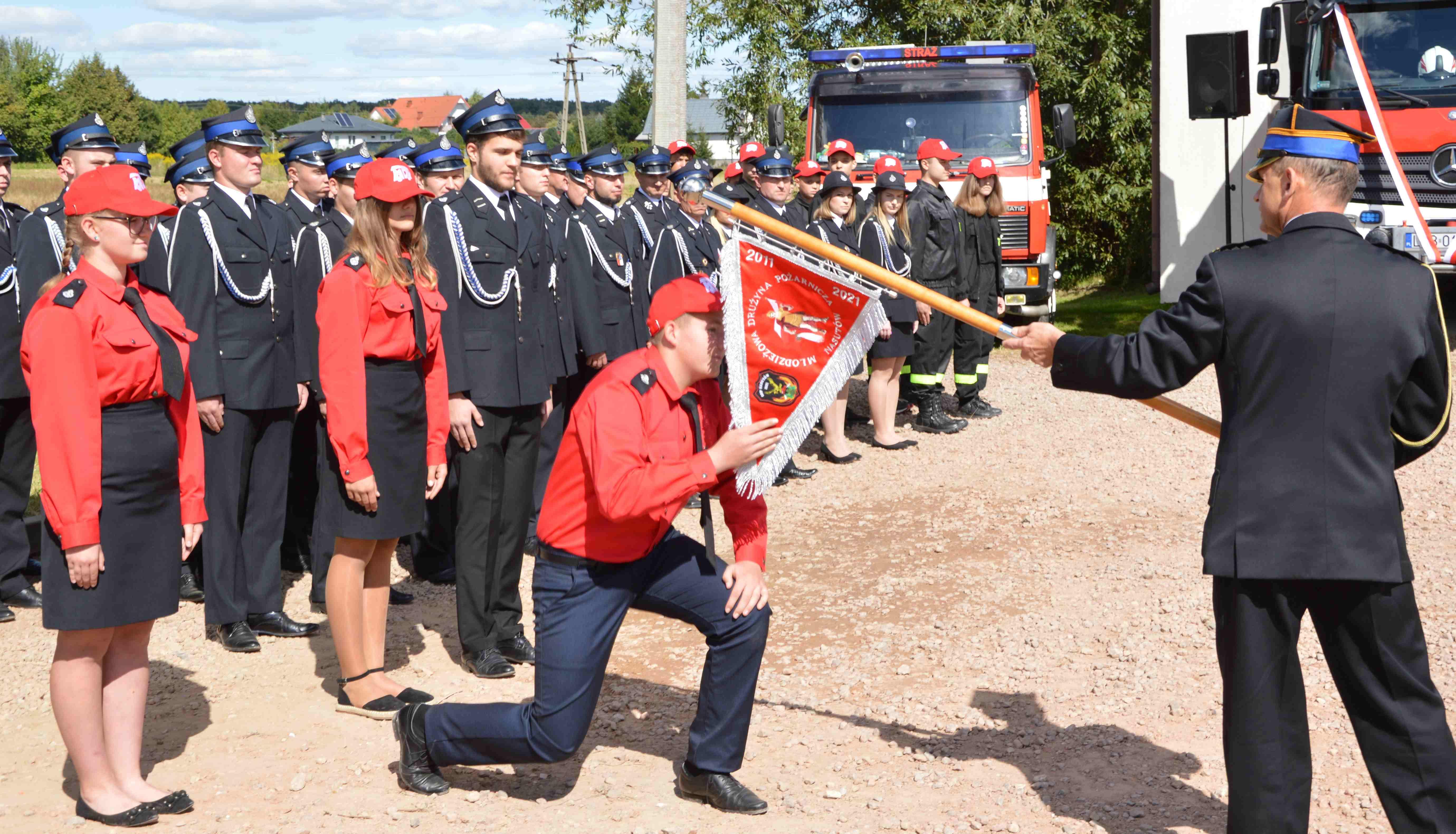 Gmina Niemce: OSP Nasutów świętowała stulecie! Mają nowy wóz bojowy [GALERIA] - Zdjęcie główne