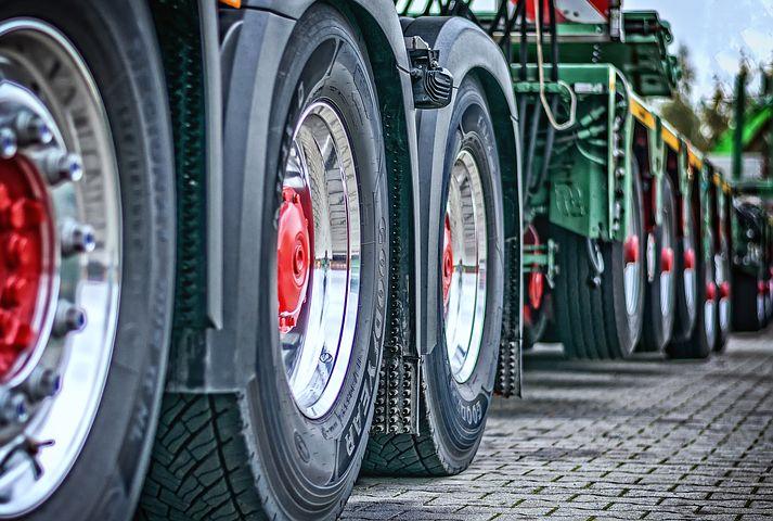 Lublin: mieszkańcy Ponikwody nie chcą ciężarówek niszczących asfalt - Zdjęcie główne