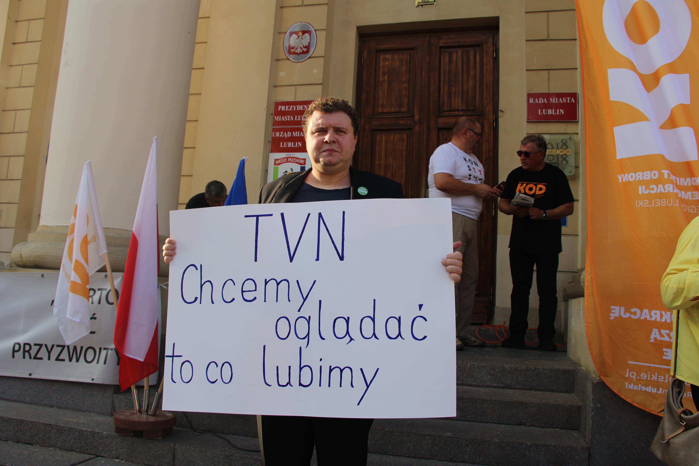 """Lublin: Radni przeciwko """"lex TVN"""". Przygotowali specjalne stanowisko - Zdjęcie główne"""