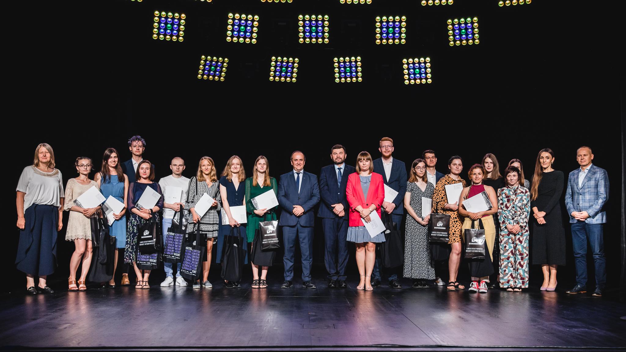 Lublin: Stypendia Kulturalne Bogdanki, przyznane. Nagrodzono 15 osób - Zdjęcie główne