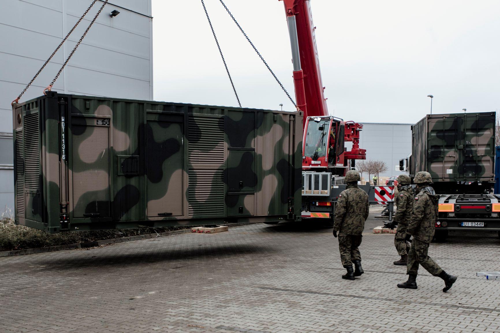 Lubelscy terytorialsi pomagają w budowie szpitala tymczasowego - Zdjęcie główne