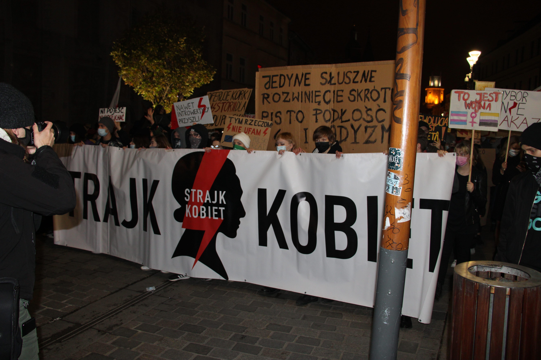 """Marsz """"Uczniowie dla praw Kobiet"""". To jak dotąd największa lubelska manifestacja w sprawie orzeczenia TK [GALERIA] - Zdjęcie główne"""
