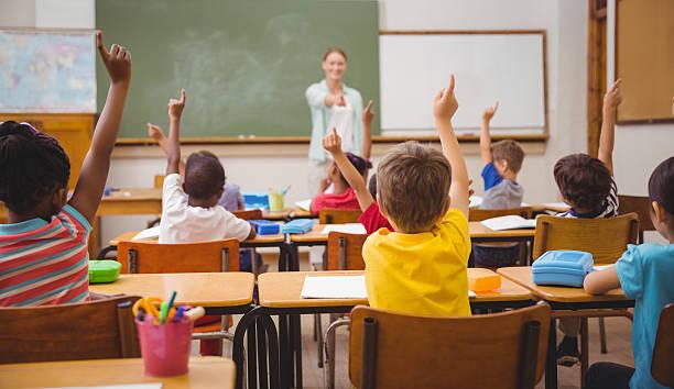 Województwo lubelskie: Koronawirus wysłał dwie szkoły na zdalną naukę. Ponad 140 uczy hybrydowo [LISTA] - Zdjęcie główne