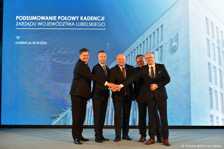Lublin: podsumowano połowę kadencji Zarządu Województwa Lubelskiego. Marszałek: Ostatnie miesiące z pewnością były dla nas wielkim wyzwaniem - Zdjęcie główne