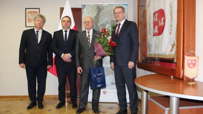 Życzenia dla prezesa Zbigniewa Pasika od radnych i starosty - Zdjęcie główne