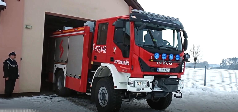 GM STOCZEK ŁUKOWSKI. Strażacy z Róży mają nowy wóz. Pokona każdy teren (WIDEO) - Zdjęcie główne