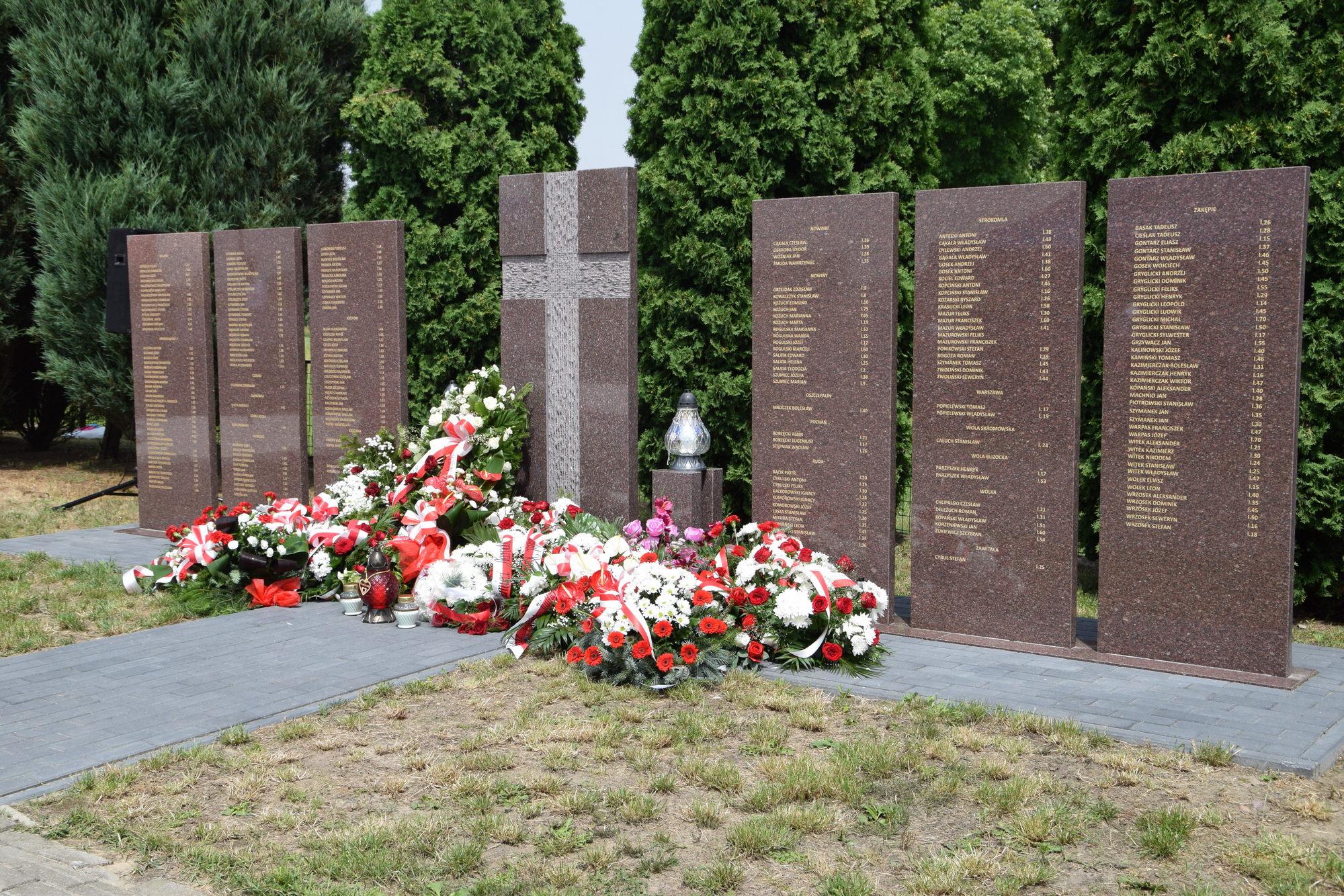 Upamiętnili ofiary mordu w Józefowie Dużym - Zdjęcie główne
