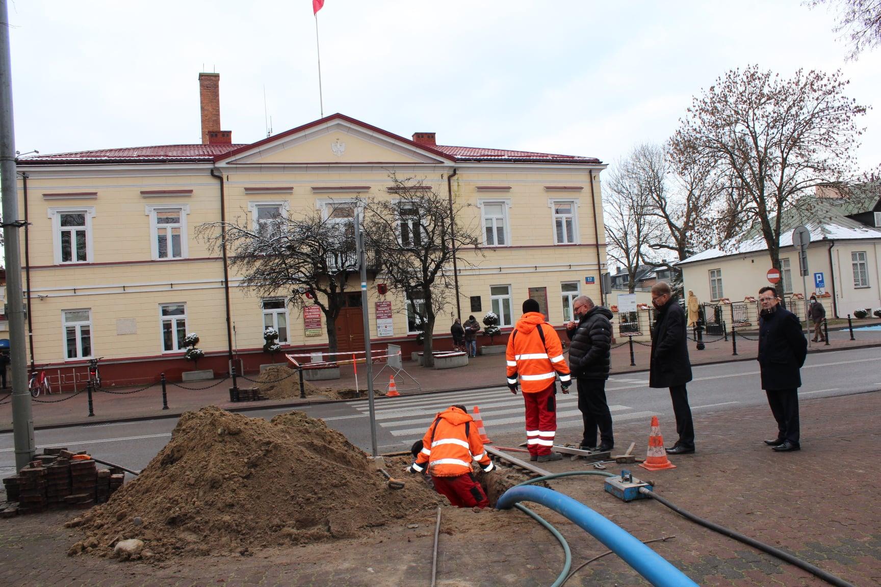 ŁUKÓW Ruszyły prace na przejściu dla pieszych - Zdjęcie główne