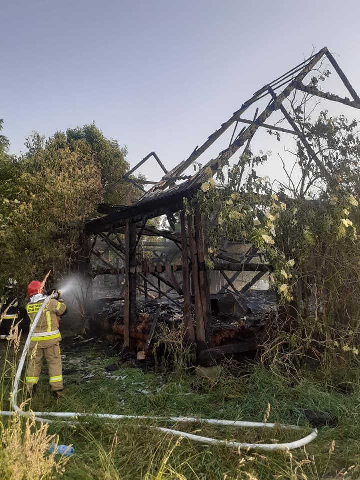 GMINA ŁUKÓW. W Sięciaszce spaliła się stodoła - Zdjęcie główne
