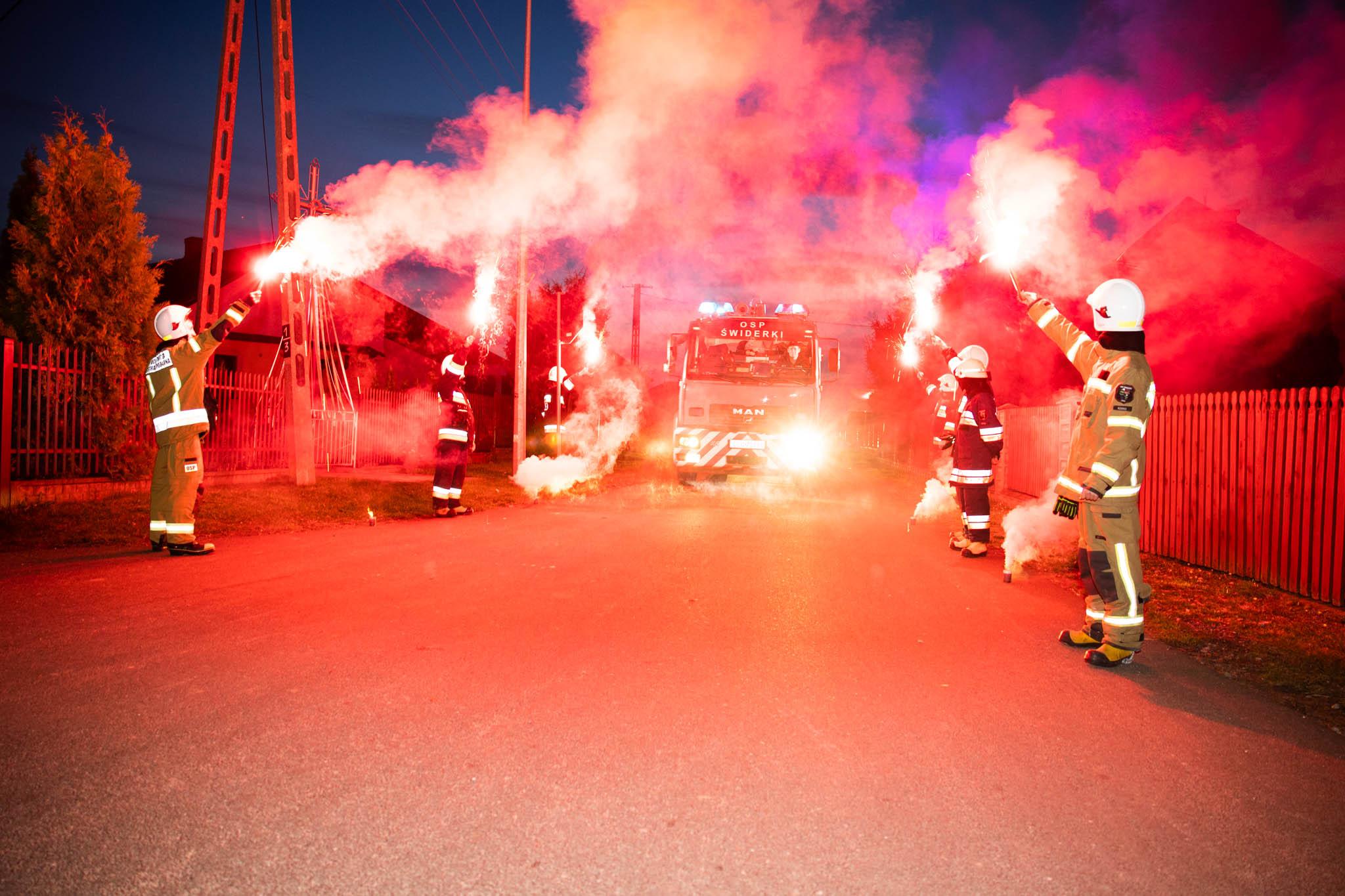 """WOJCIESZKÓW. Nowa """"renówka"""" strażaków ze Świderek (ZDJĘCIA + WIDEO) - Zdjęcie główne"""