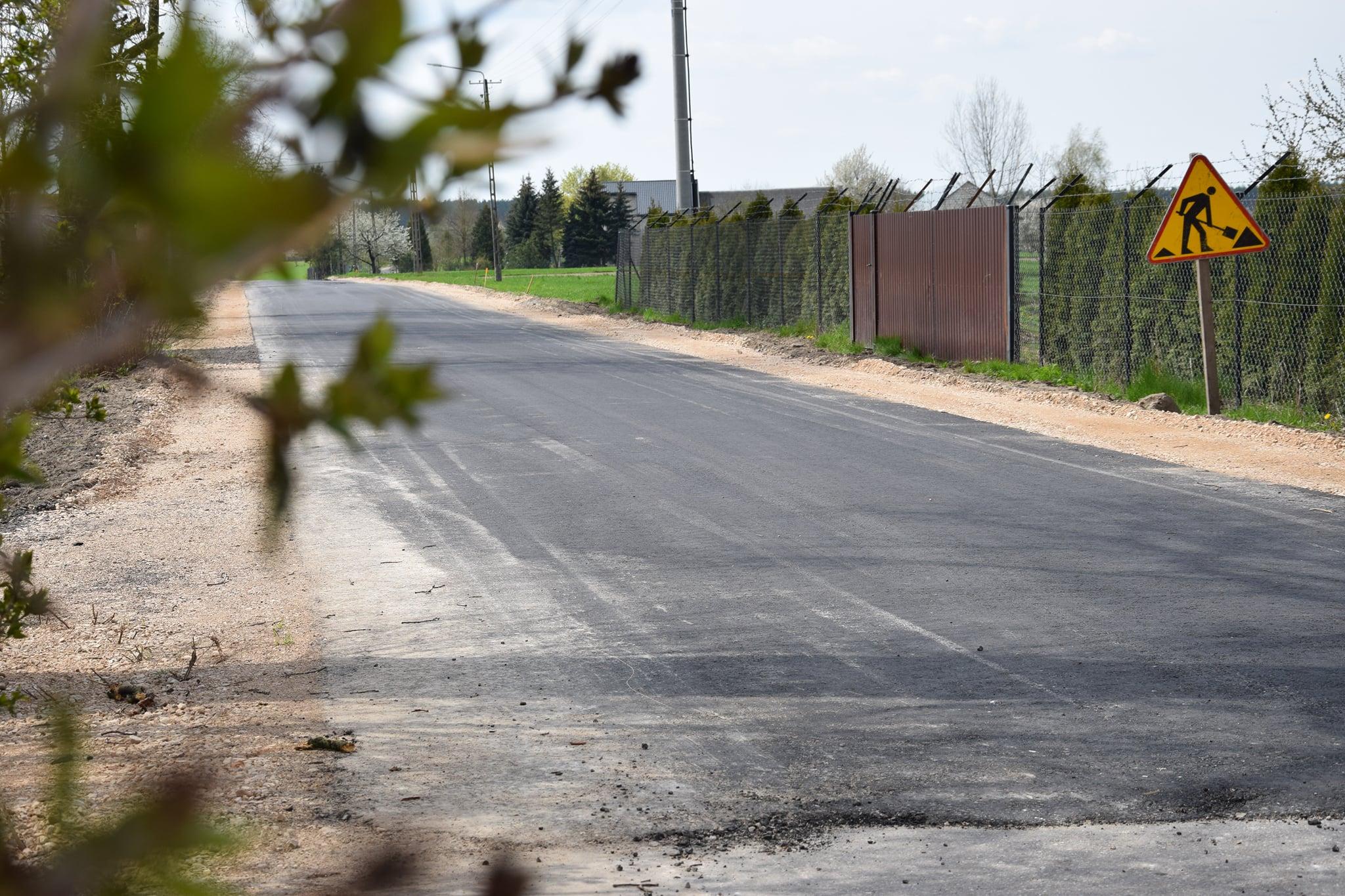 GM STANIN Trwa remont drogi w Sarnowie  - Zdjęcie główne