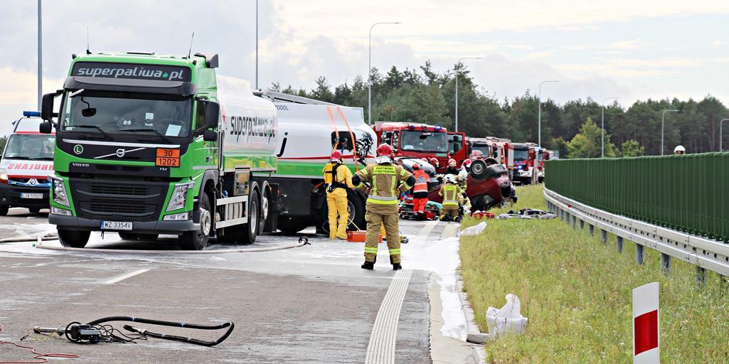 Województwo lubelskie: Duży wypadek i poszkodowani na obwodnicy Janowa Lubelskiego. To ćwiczenia strażaków [GALERIA] - Zdjęcie główne
