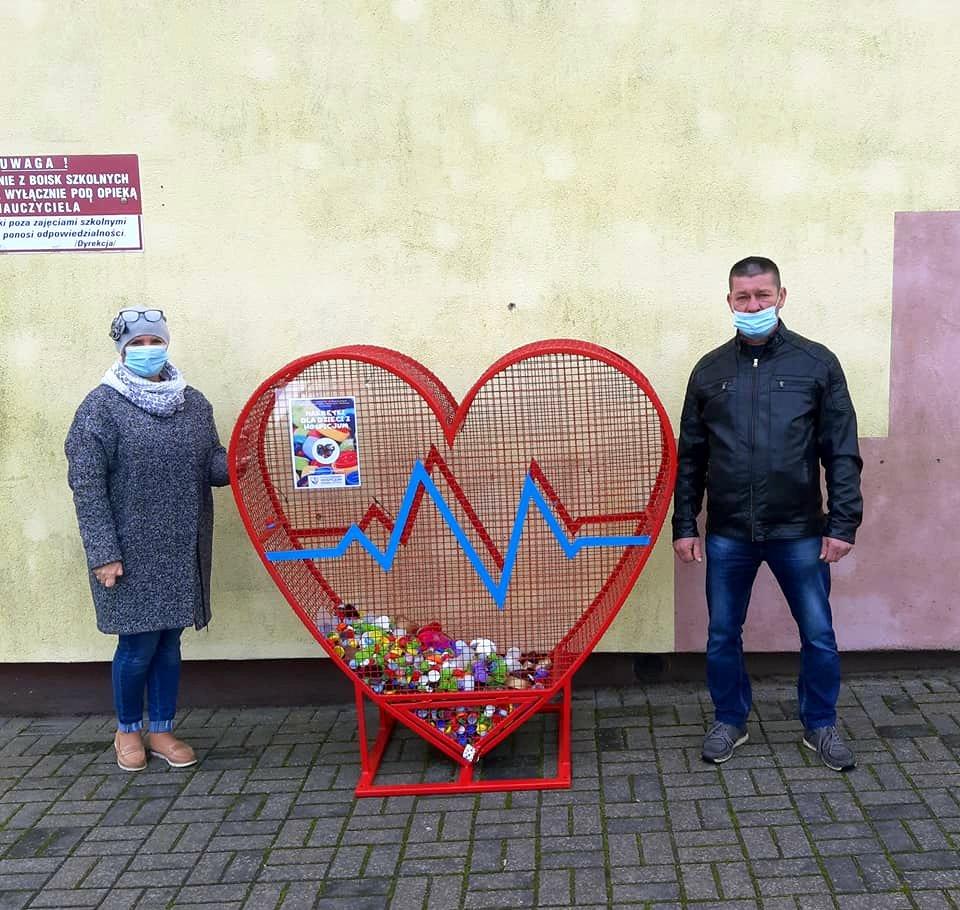 GMINA STOCZEK ŁUKOWSKI W Toczyskach stanął kosz na plastikowe nakrętki - Zdjęcie główne