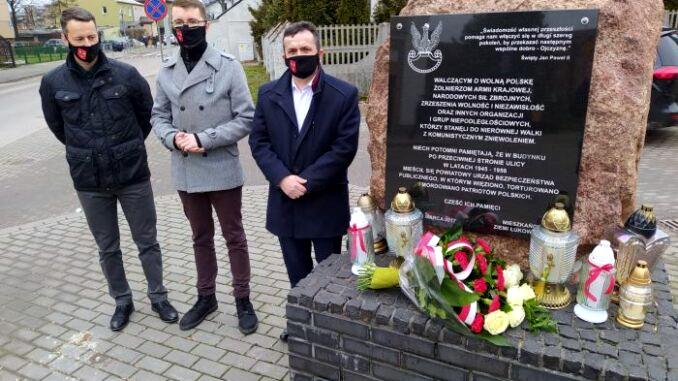 ŁUKÓW. Przedstawiciele powiatu uczcili Żołnierzy Wyklętych  - Zdjęcie główne