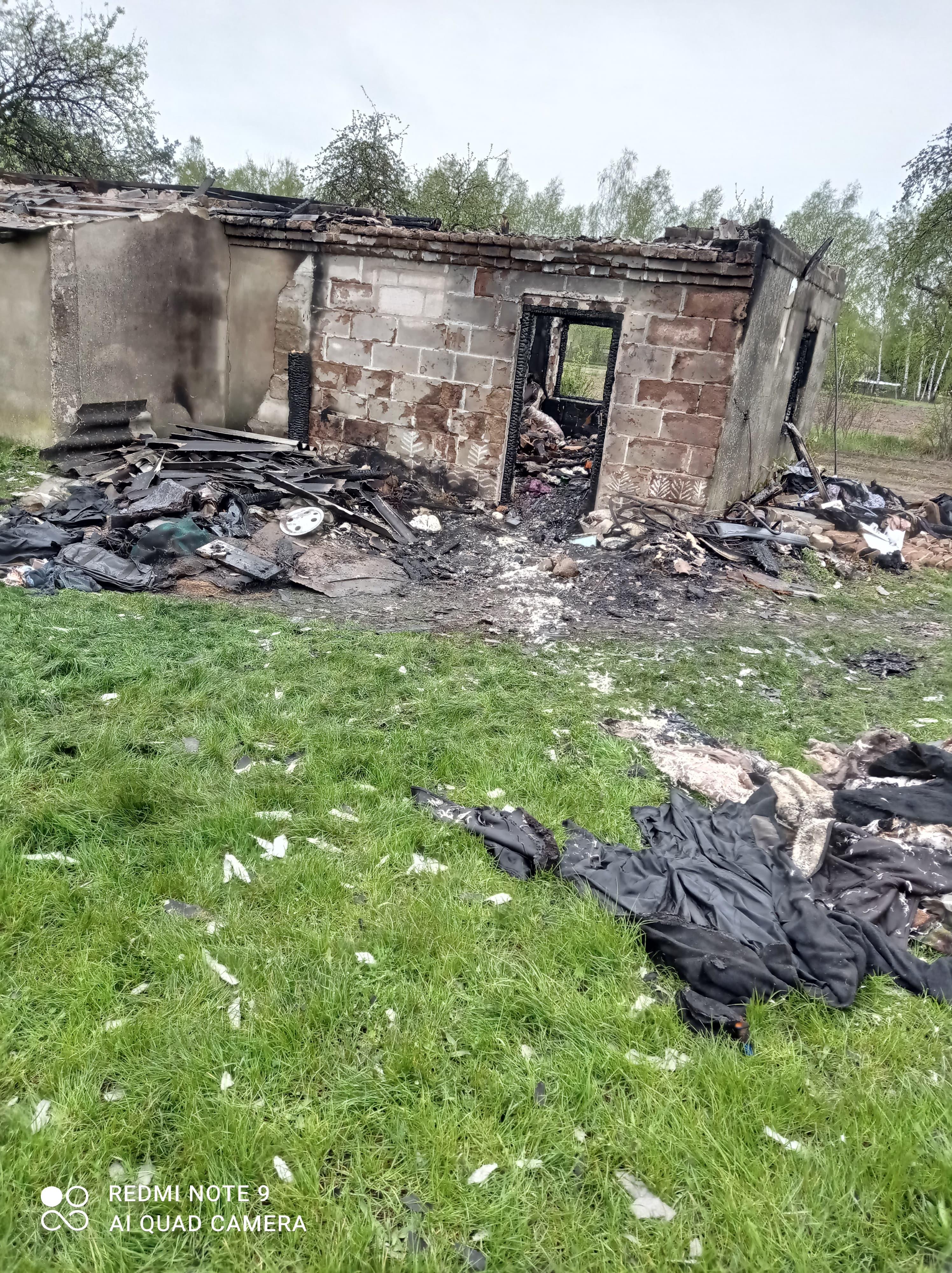 WOJCIESZKÓW. Spłonął dom niepełnosprawnego pana Józefa. Rusza akcja pomocy  - Zdjęcie główne
