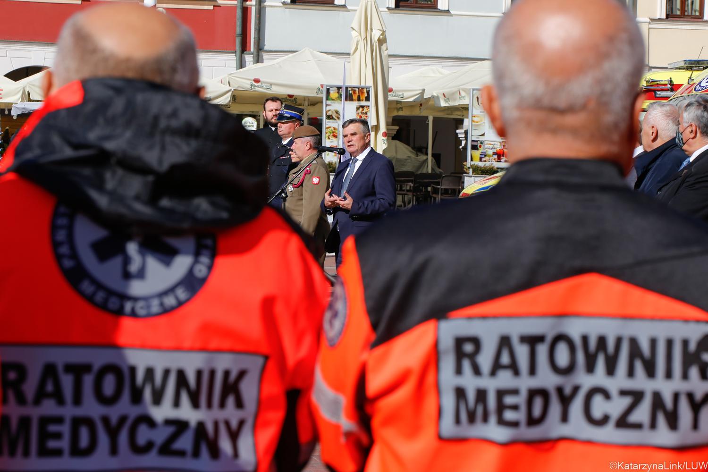 Województwo lubelskie: Wojewoda odznaczył ratowników i pielęgniarki z regionu. Wspomniał o sytuacji epidemicznej i szczepieniach - Zdjęcie główne