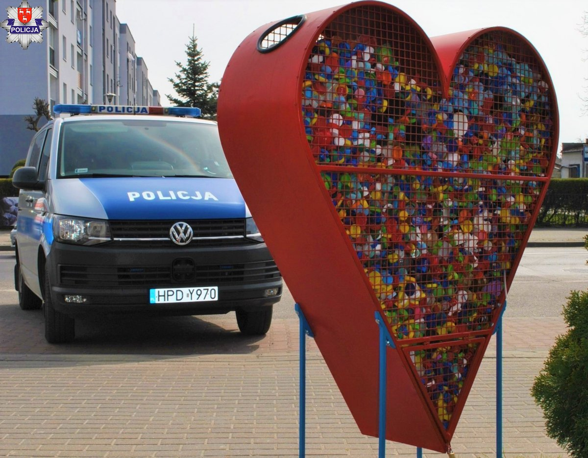 ŁUKÓW. Policjanci wsparli 4-letnią Michalinkę   - Zdjęcie główne