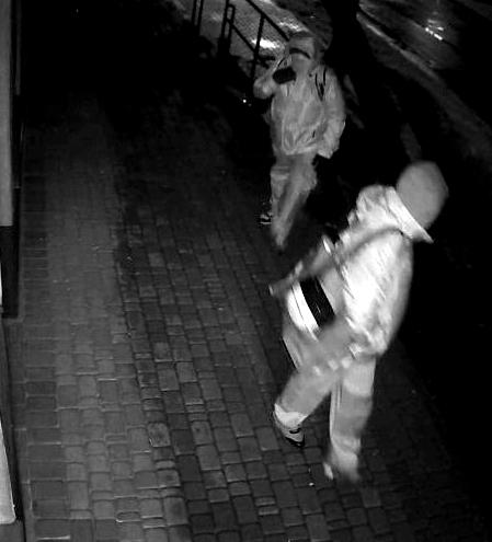 ŁUKÓW: Włamanie na ul. Dmocha. Policja szuka złodziei  - Zdjęcie główne