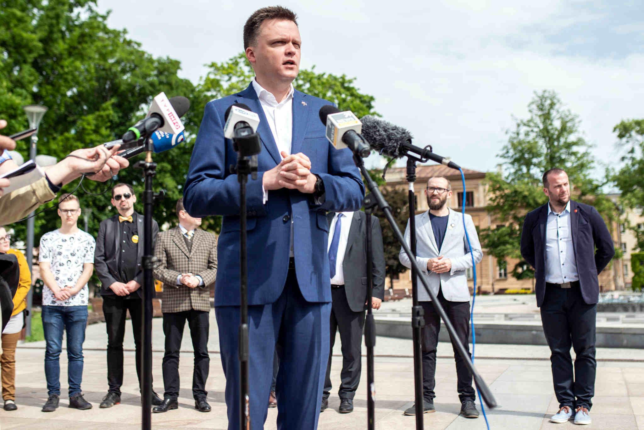 ŁUKÓW. Spotkanie sympatyków Ruchu Polska 2050 Szymona Hołowni - Zdjęcie główne