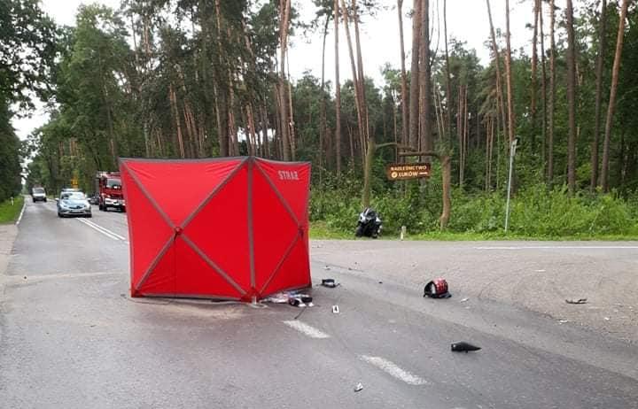 ŁUKÓW. Śmierć na drodze. Zginęła młoda kobieta (ZDJĘCIA) - Zdjęcie główne