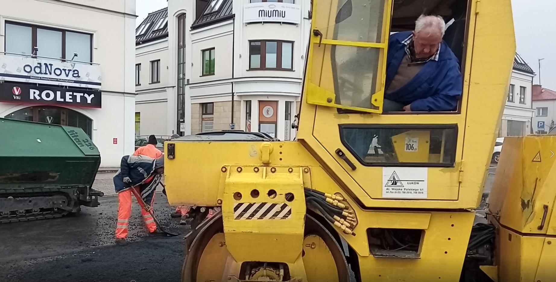 ŁUKÓW. Kończą się remonty ulic w centrum. Czeka Objazdowa (WIDEO) - Zdjęcie główne