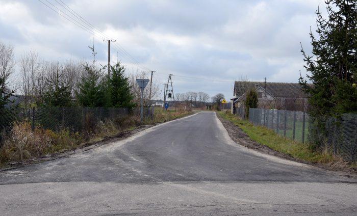 Droga Celiny Szlacheckie – Gózd ma nową nawierzchnię - Zdjęcie główne