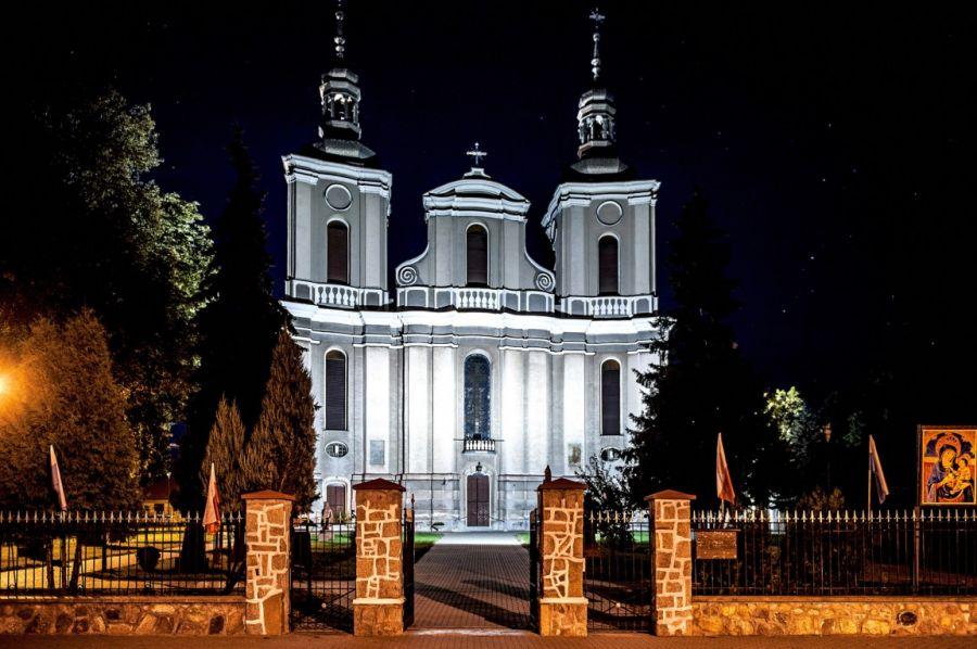 GM ADAMÓW: Odpust w klasztorze ojców karmelitów w Woli Gułowskiej  - Zdjęcie główne