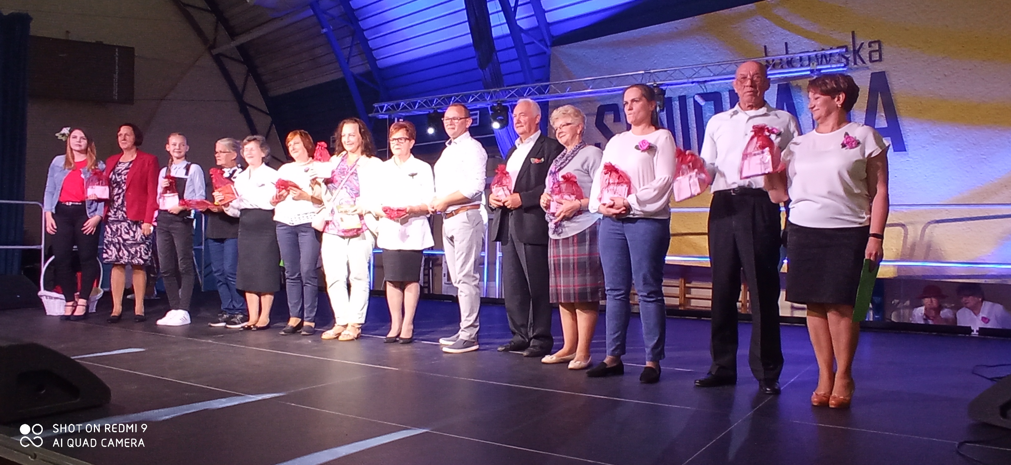 ŁUKÓW. DJ. WIKA rozgrzała publiczność. Łukowscy seniorzy rządzą (WIDEO + ZDJĘCIA) - Zdjęcie główne