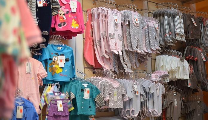 Skradziono ubranka dziecięce ze sklepu - Zdjęcie główne