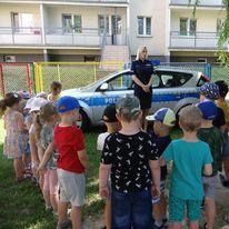 Policjantka z wizytą w przedszkolu - Zdjęcie główne