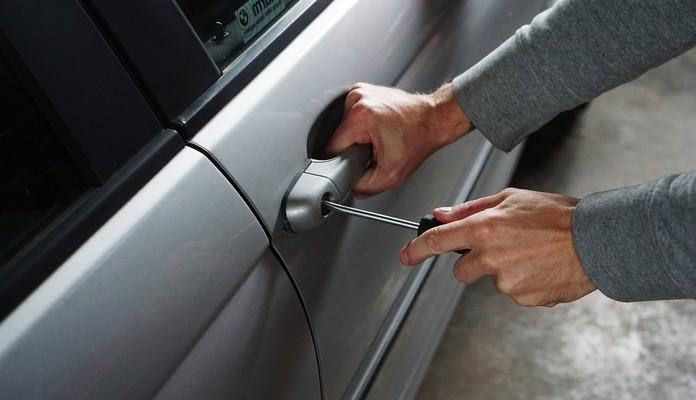 Siedlce: kradną z samochodów - Zdjęcie główne
