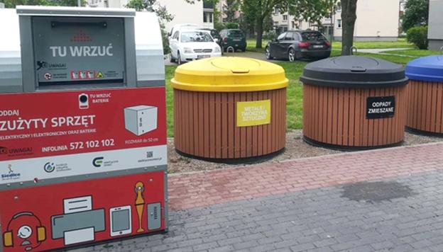 Czerwone pojemniki na elektrośmieci stanęły w Siedlcach - Zdjęcie główne