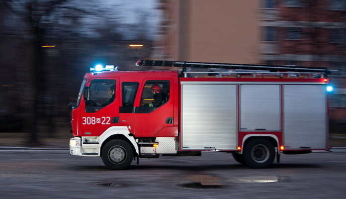 Zderzenie dwóch samochodów na ul. Warszawskiej - Zdjęcie główne