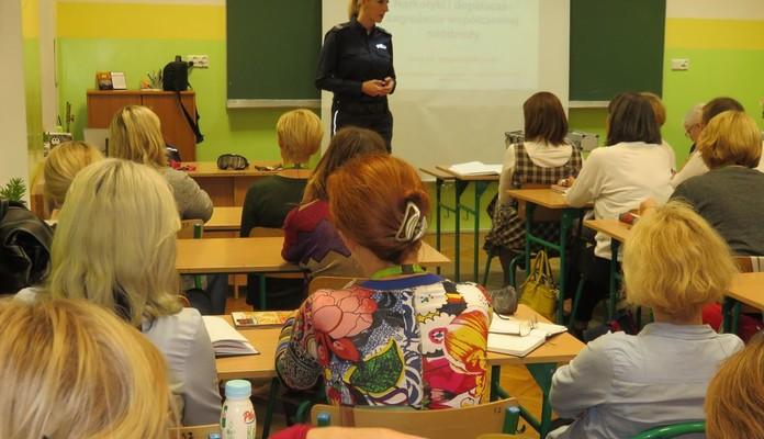 Szkolą pedagogów - Zdjęcie główne