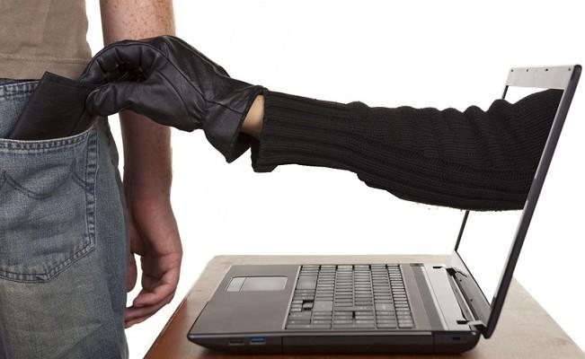 Ciąg dalszy oszustw internetowych: Mieszkaniec gminy Siedlce stracił 15 000 zł - Zdjęcie główne